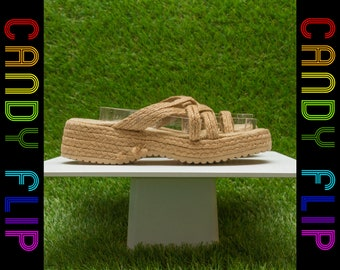Vintage 90s Y2K Classified Woven Raffia Grass Braided Strappy Tan Light Brown Summer Thick Wedge Slip On Platform Mule Sandal US 5 / 5.5