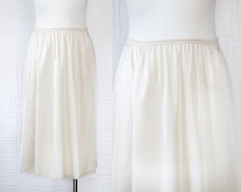 Vintage 70s 80s Classic Vanity Fair Champangne Gold Beige Shiny Lightweight Sheer Floral Lace Elastic Waist Below Knee Length Slip Skirt S M