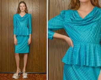 Vintage 80s Aqua Blue Diagonal Striped Thin Sheer Shiny Peplum Blouson Knee Length A Line Ruffle Half Long Sleeve Cowl Neck Pencil Dress S M