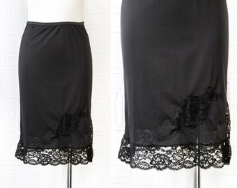 Vintage 90s Classic Sexy Intimate Black Shiny Sheer Floral Lace Applique Detail Elastic Waist Below Knee Length Slip Under Dress Skirt S M