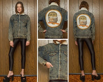 Vintage 70s Levi's Sherpa Lined Owl Moon Bird Embroidered Needlepoint Autumn Acid Wash Back Patch Distressed Blue Denim Jean Jacket Coat S M