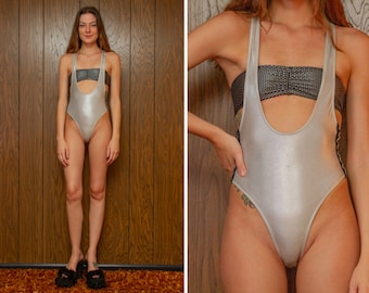 Metallic Shiny Silver Lame Star Cinched Bandeau Top Elastic Workout Athletic Sleeveless 2 Piece Singlet Crossback Bodysuit Leotard Set XS S