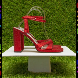 e579101a120 Vintage 90s Red Glitter Dorothy Wizard of Oz Ruby Slippers T-Strap Strappy  Thick Chunky Block Heel Club Kid Goth Metallic Sandals Shoe 8