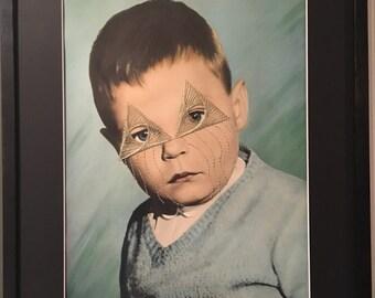 """Années 40 photo vintage français portrait enfant colorisé grand format broderie fil d'or motif géométric  """"hugo"""""""