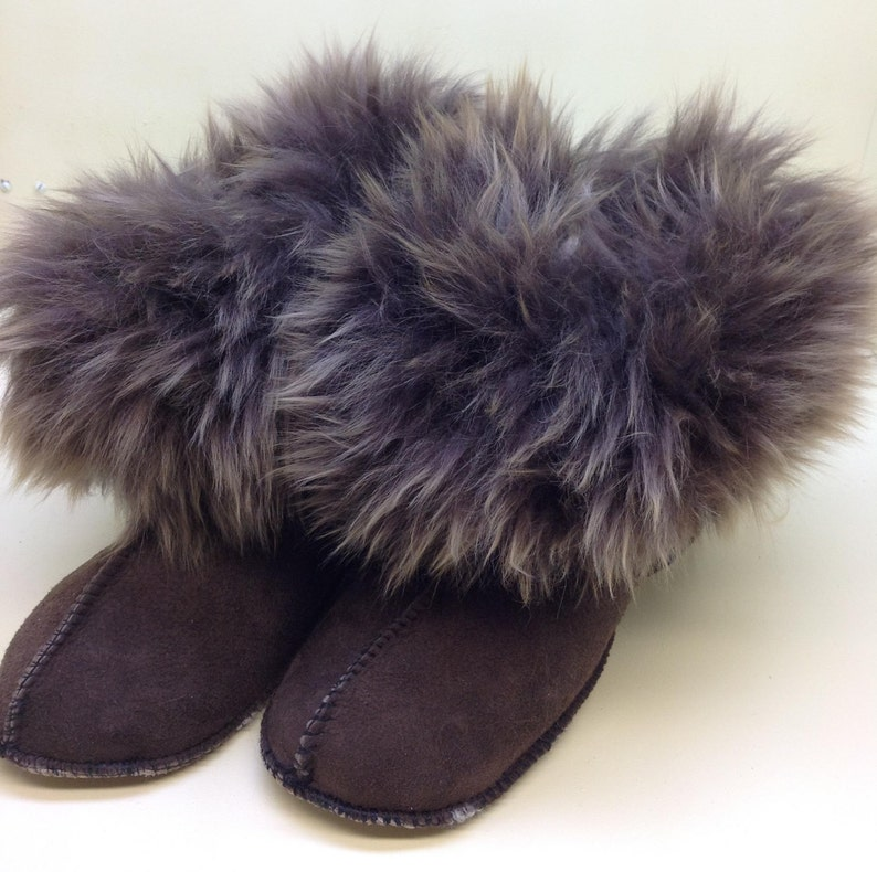 763e2a12471ec Shearling Cabin warmer slippers