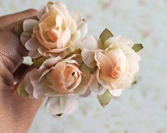 Creamy Peach Flowers Hair Bobby Pins, Floral Clips, Light Peach Hair clips Woodland hair pins. Wedding Hair Pins,  Floral Hair Accessories
