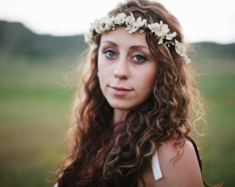 flower crown wedding, bridal flower crown, cream flower crown, ivory flower crown, floral crown wedding, bridal headpiece,