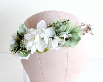 Wedding Floral Crown. White Flower Crown, Greenery Floral Crown, Flower Hair Crown, Weddings hair piece, white hair wreath, Bridal headpiece