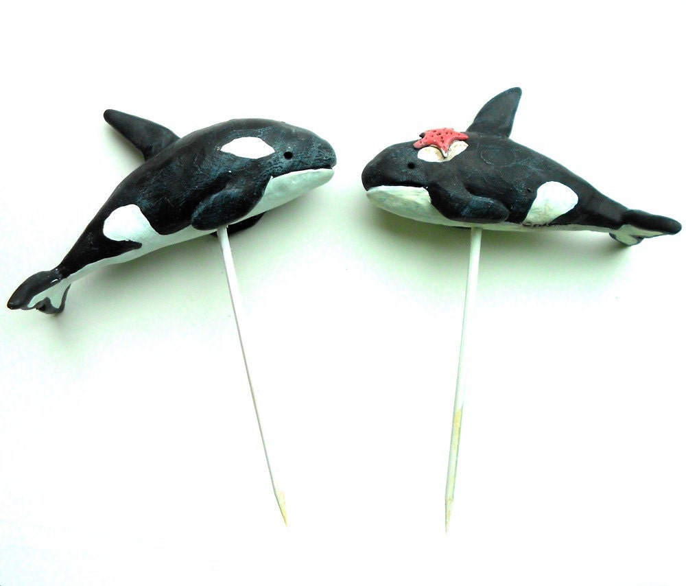 Black And White Killer Whales In Love Wedding Cake Topper