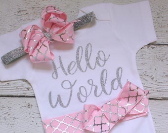 Hello World Baby Outfit, Hello World Coming Home Outfit, Hello World Take Home Outfit, Hello World Onepiece with Headband, Newborn Photos