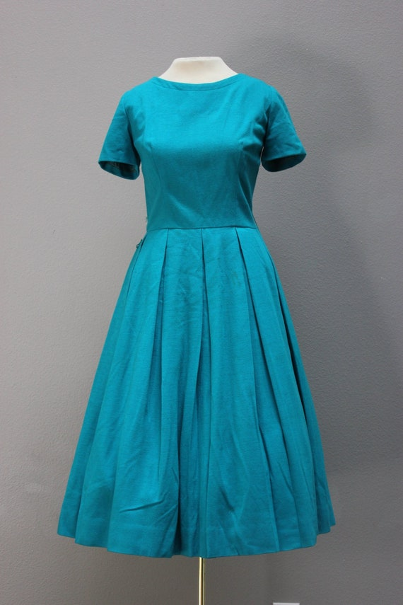 Adorable Vintage 1950s Teal Wool Bouffant Swing Dr