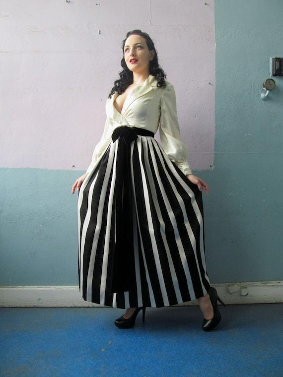Vtg 50s 60s Amazing Striped Skirt Dress / Black &… - image 1