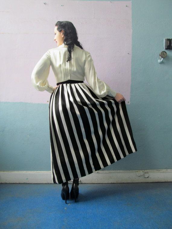 Vtg 50s 60s Amazing Striped Skirt Dress / Black &… - image 3