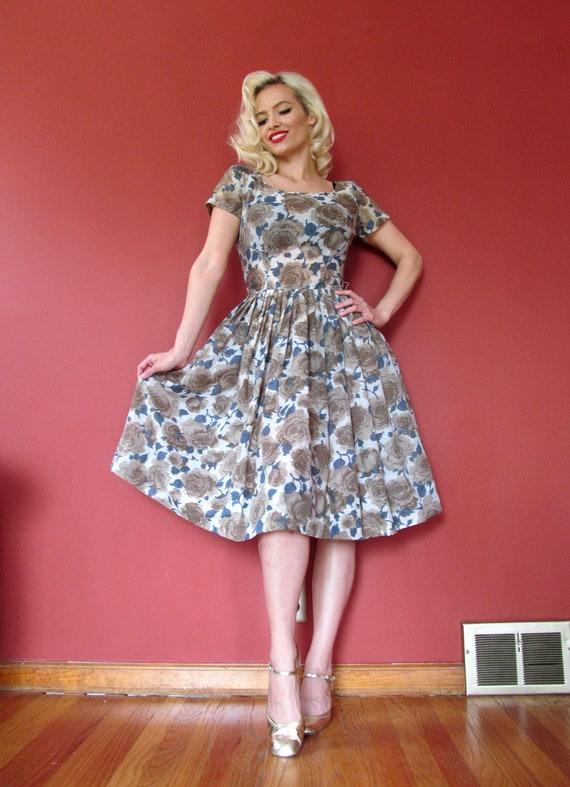 Vtg 50s Floral Dress / Rose Print - image 2