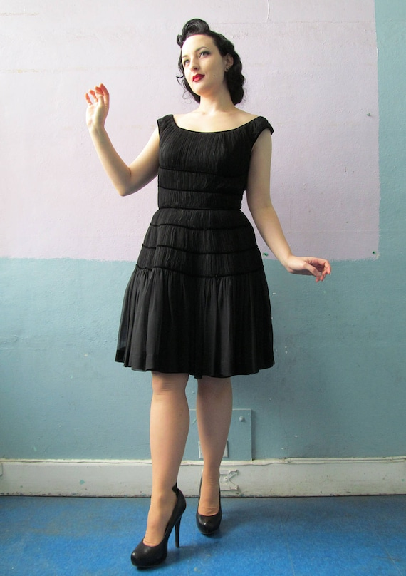 Vtg 50s Black Bombshell Dress / Shirred