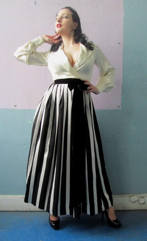 Vtg 50s 60s Amazing Striped Skirt Dress / Black &… - image 2