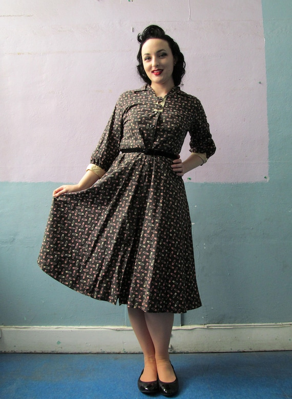 Vtg 40s 50s Novelty Print Dress / Safety Pin Print