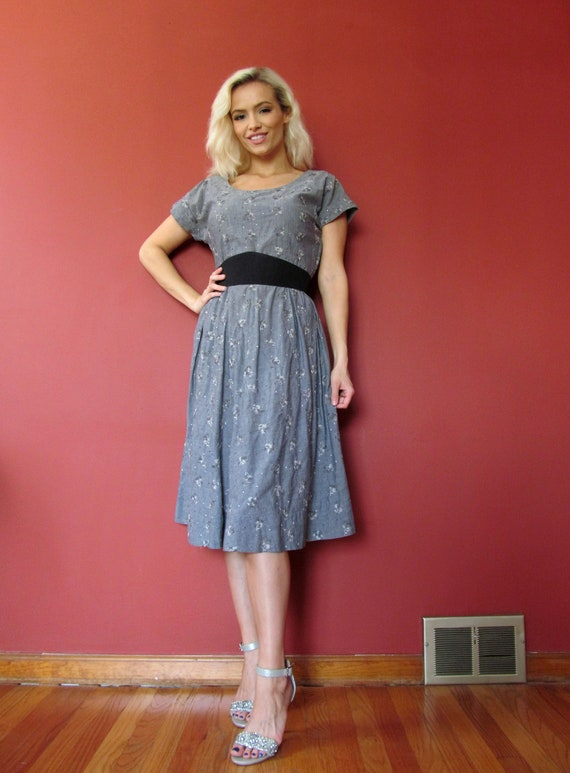 Vtg 40s 50s Chambray Embroidered Dress - image 2