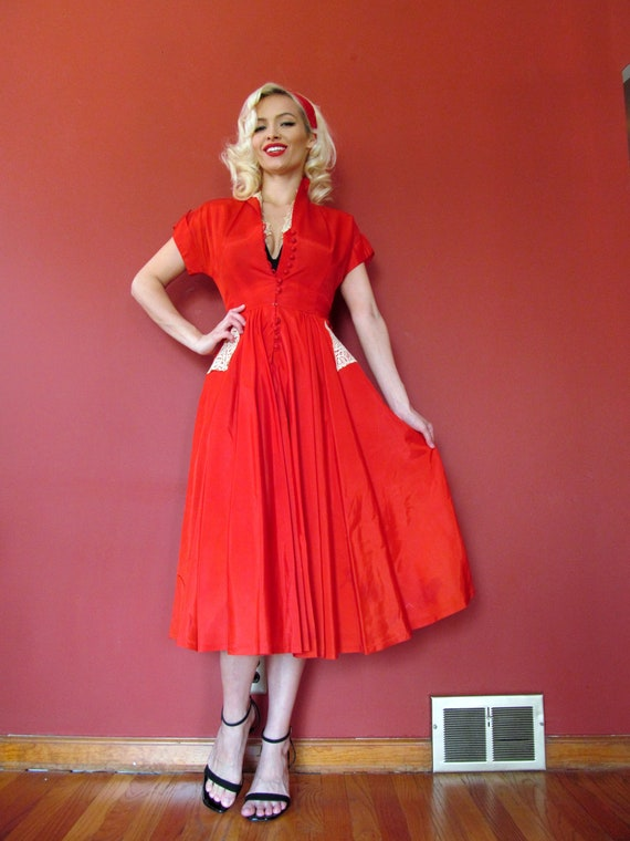 Vtg 40s 50s Lipstick Red Dress / Lace Details / Fo