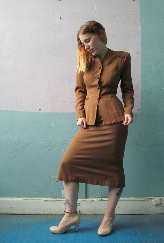 Vtg 40s Skirt Suit / Blazer Set / Gabardine