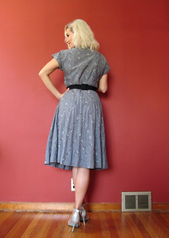 Vtg 40s 50s Chambray Embroidered Dress - image 4