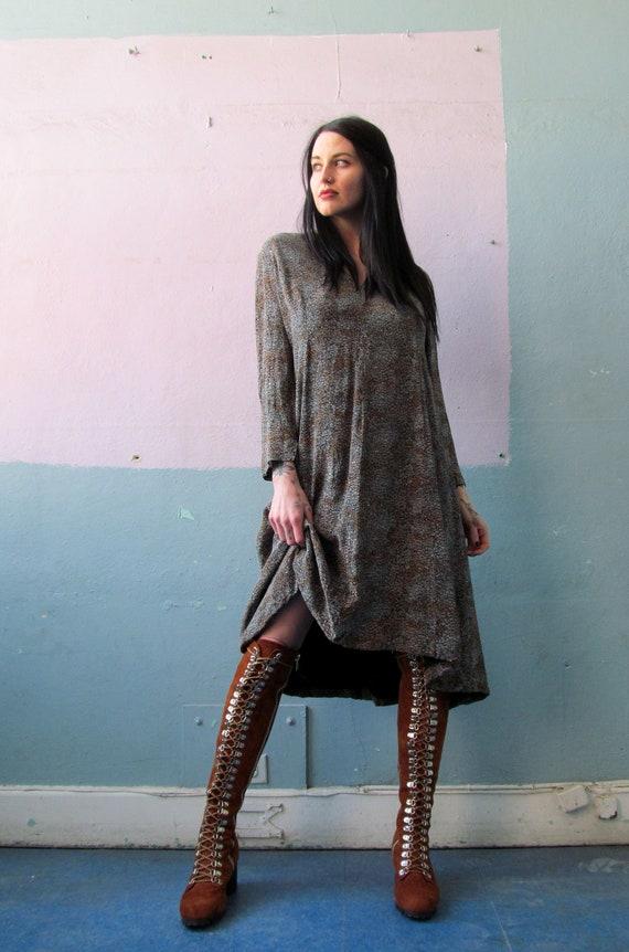 Vtg 70s Silk Dress / Elizabeth Arden