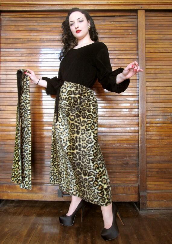 Vintage 1950's Leopard Lounge Dress / Tiki Hostess