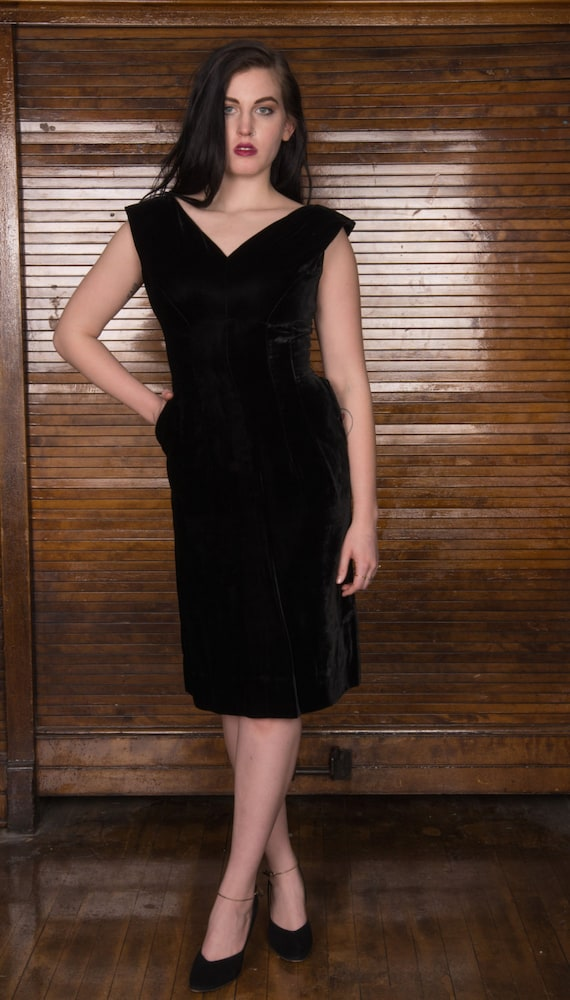 Vintage 50s Black Velvet Dress / Bombshell