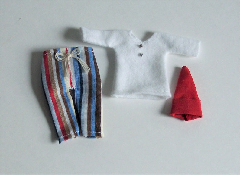 Miniature Pajama Mouse in Red-Striped Nightshirt and Cap DOLLHOUSE 1//12 Scale