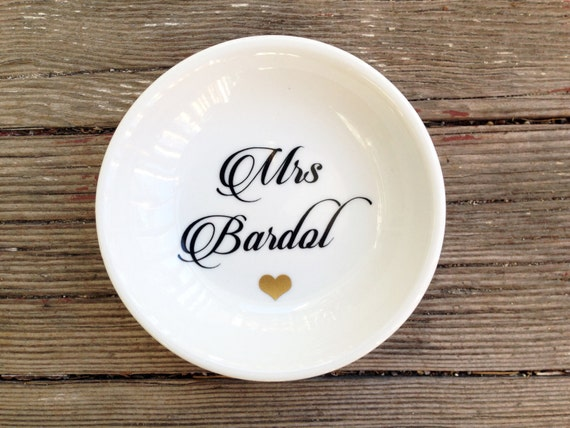 Ring Dish | Mrs | Elegant Script | Wedding Ring Holder | Engagement Gift | Jewelry Dish