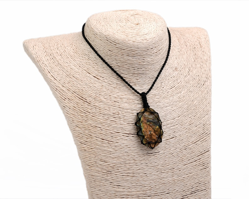 Raw Crystal Necklace Natural Gemstone Jewelry Birthday Gifts for Men Rough Labradorite Pendant