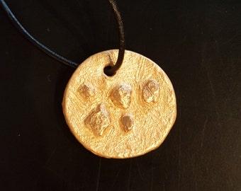 Gold nugget pendant necklace