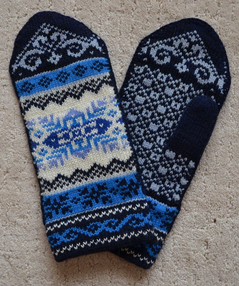 b844c891fb5 Wool Mittens Norwegian Scandinavian gloves folk art hand