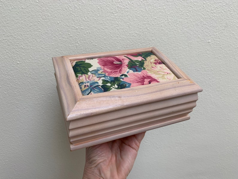 Small Jewelry Box Small Compartments Pin Cushion Top Mirror Jewelry Box Vintage 70/'s 80s Romantic Pale Pink Retro Girl asis Wooden Box