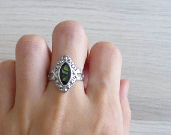 Vintage 80's 'Indie Goddess' Abalone Shell Silver Teardrop Ring