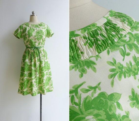 Vintage 50's 60's Ruched Neckline Green Toile Flor