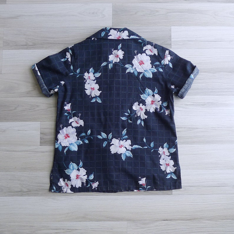 Vintage 80/'s Does 50/'s Hawaiian Hibiscus Navy Grid Shirt XS S M