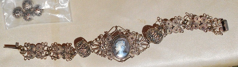 SALE Spun Silver Filigree Cameo Bracelet w Hand Carved Vintage Black Mother of Pearl Cameo Hand Wrought Majestic Floral Accents Bracelet.