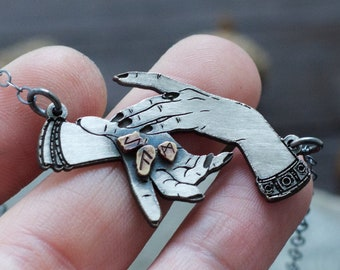 Magic Hands with Runes Pendant - Odin's Discovery of the Runes Necklace - the Norns - Seiðr - Seidr