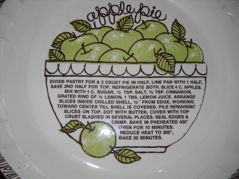 Apple Pie Baker With Receipe USA Pottery Large Size Pie Plate