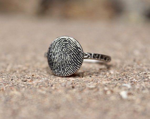 Fingerprint Ring in Sterling Silver with Textured Ring Band, Real Fingerprint Ring, Made from image of fingerprint, Feel ridges of Print