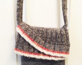 Small gray felted shoulder bag