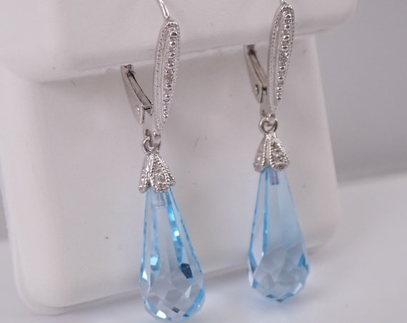 14K White Gold Diamond and Blue Topaz Briolette Dangle Drop Earrings Leverback Clasp