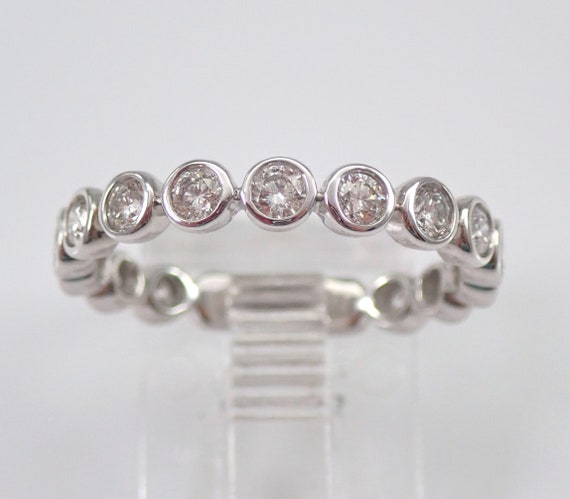 18K White Gold Diamond Eternity Wedding Ring Anniversary Band Stackable Size 6.75 Bezel Set