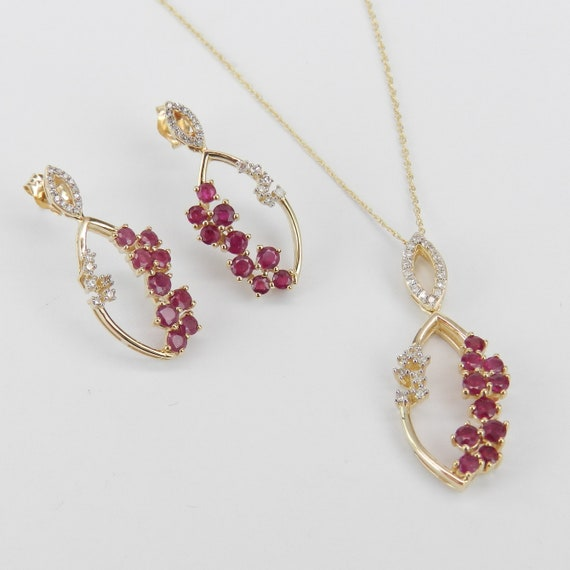 14K Yellow Gold Diamond and Ruby Pendant Necklace Dangle Drop Earrings Set