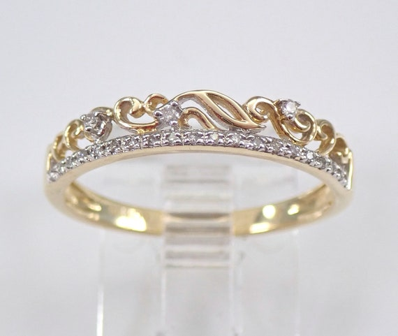 Modern Diamond Stackable Ring Yellow Gold Band Fashion Ring Size 7.25