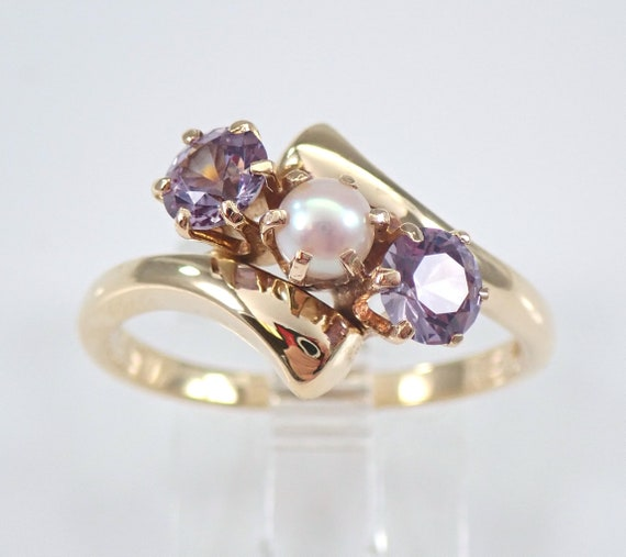 Antique Vintage 14K Yellow Gold Alexandrite and Pearl Three Stone Ring Size 8