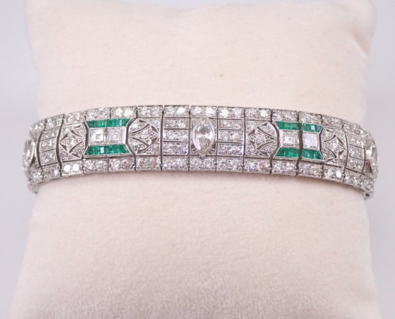 Antique Art Deco PLATINUM 18.00 ct Diamond and Emerald Filigree Bracelet Circa 1920