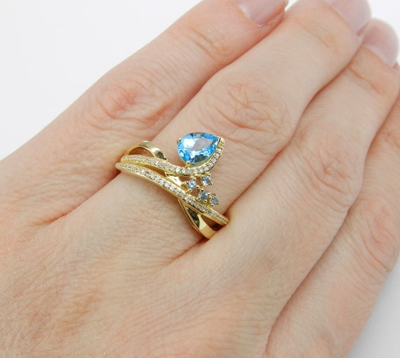 14K Yellow Gold Diamond and Pear Blue Topaz Right Hand Ring Size 7 December Gem