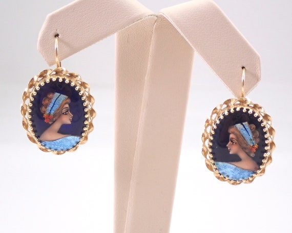 Antique Victorian 14K Yellow Gold French Hand Painted Earrings Kidney Wire Hook